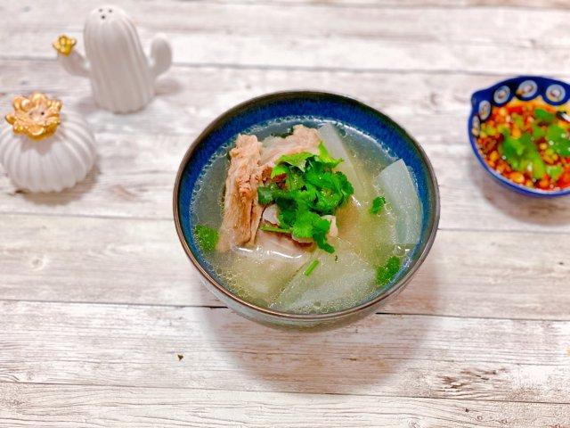 晚餐小饭桌之猪骨冬瓜汤