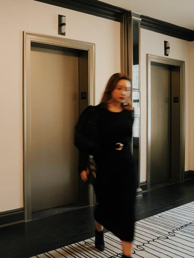 电梯走廊 | 室内OOTD