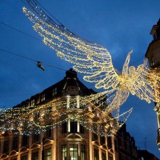 伦敦摄政街圣诞点灯🎄...