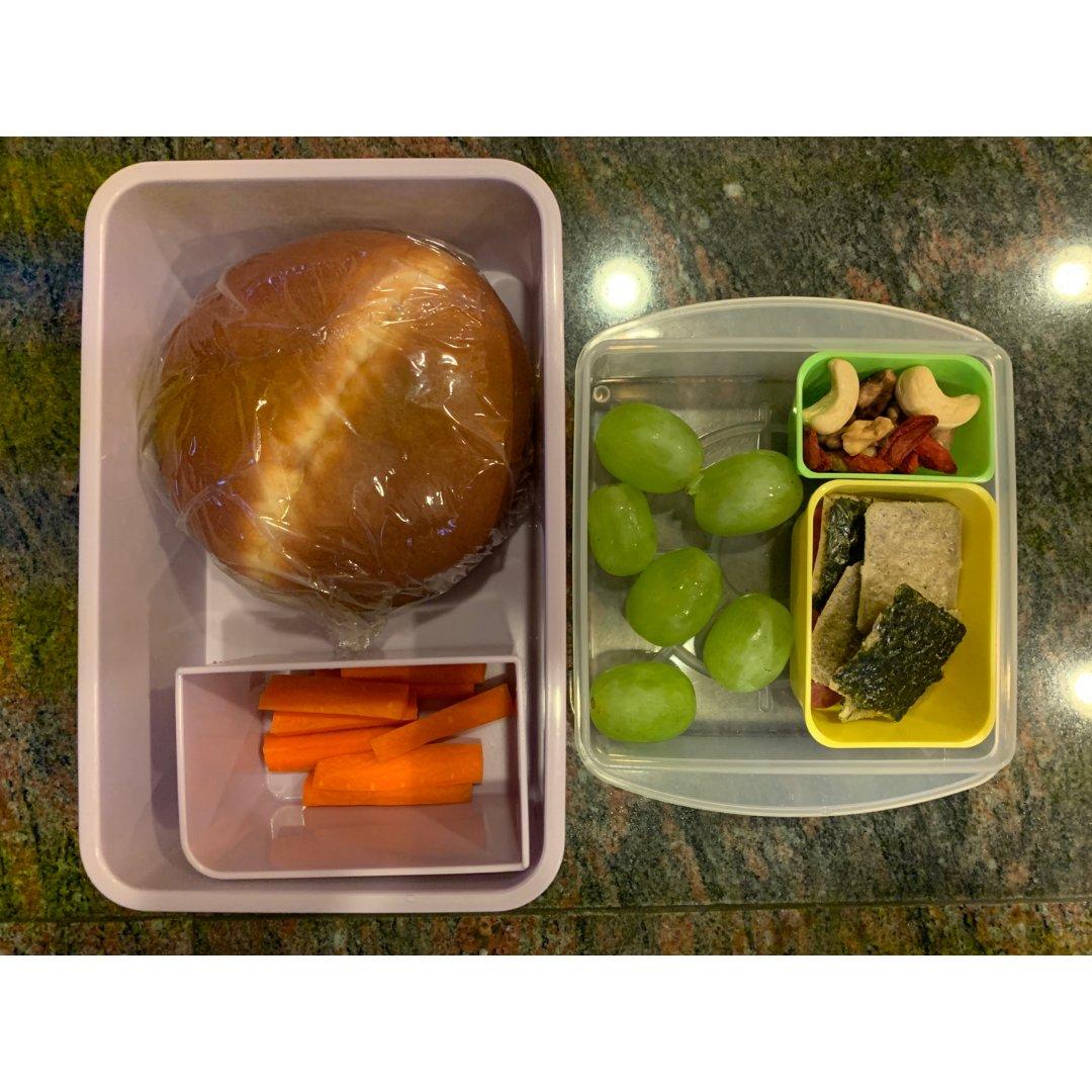 美国小学自带午餐