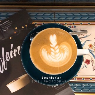 伦敦咖啡 冠军咖啡藏在牛津街后的小路上...