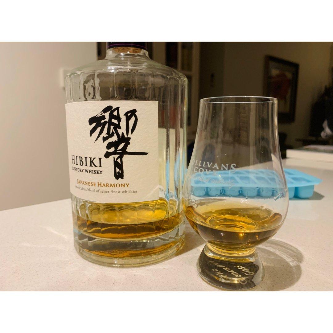 夜深人静, 来杯whiskey...