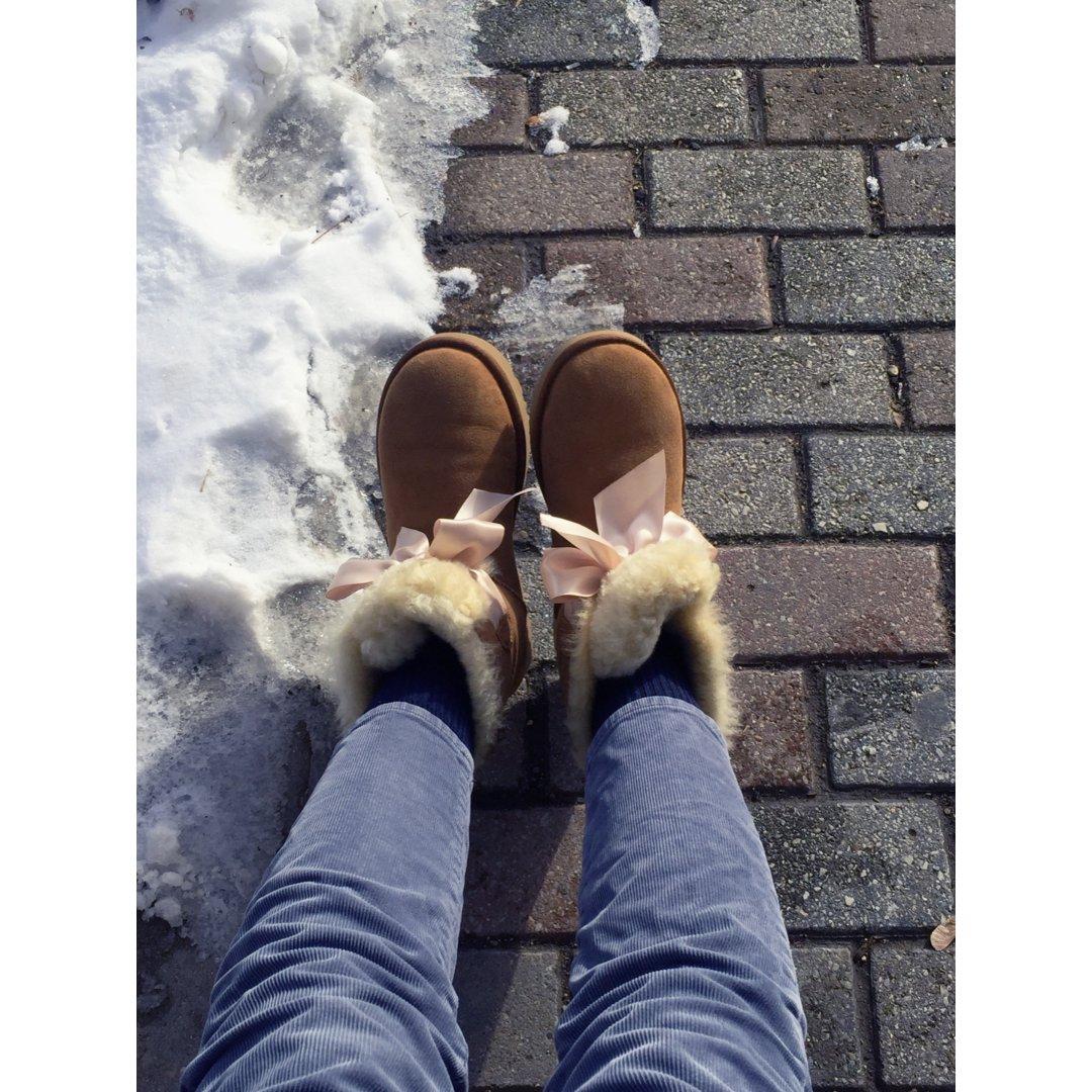 大蝴蝶结雪地靴