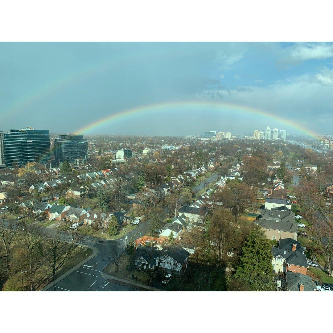 据说看到双彩虹会有好运噢~希望疫情...