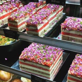 网红西瓜蛋糕店出圣诞限定蛋糕啦~ 🎄樱桃...
