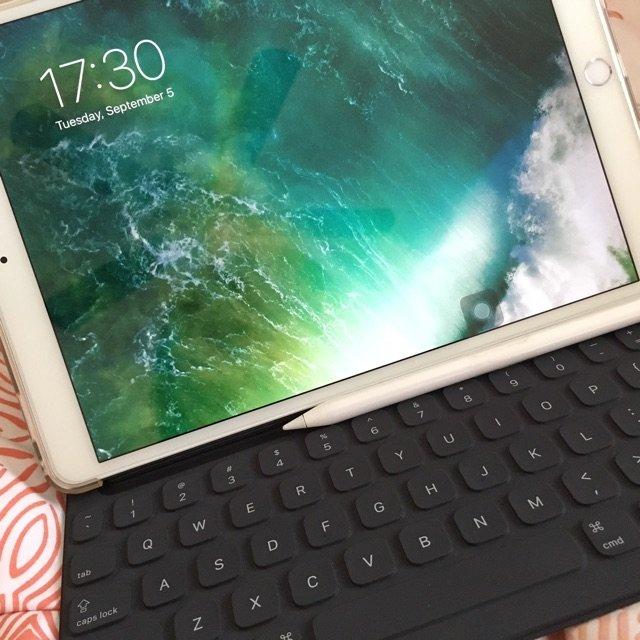 买iPad顺便买了一个键盘∠( ᐛ...
