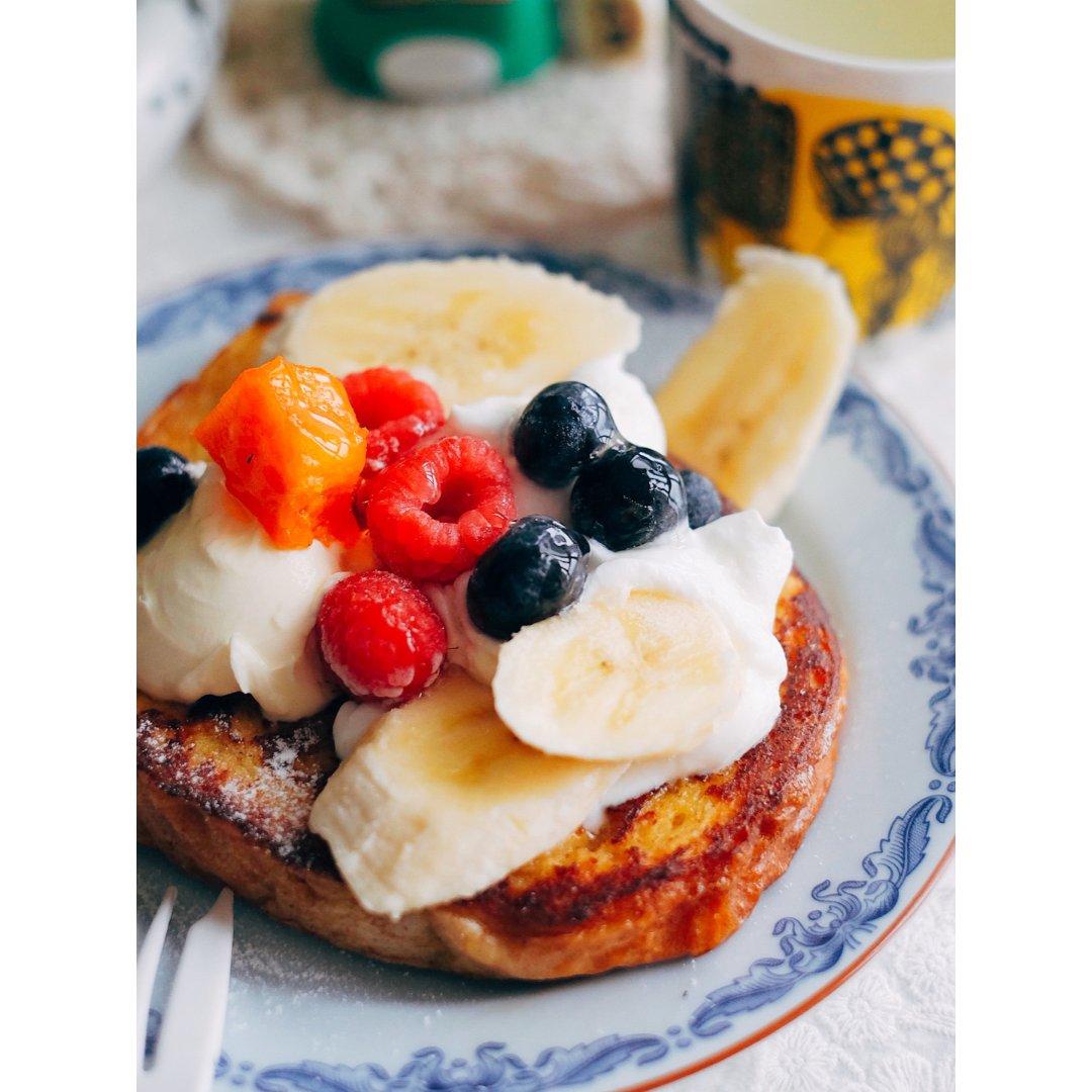 早餐狂人泥/今天吃了法式吐司...