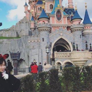巴黎迪士尼 点亮心中奇梦...