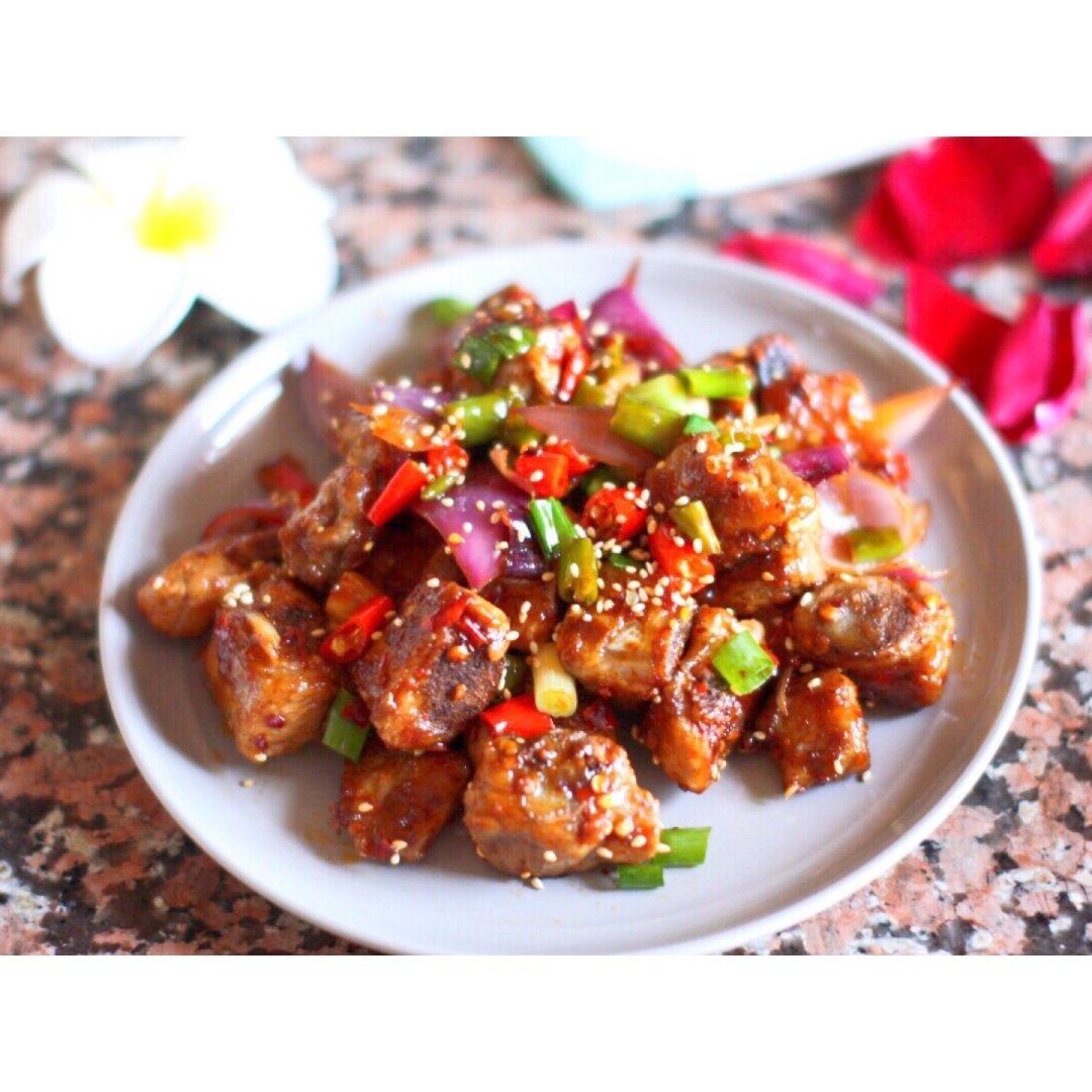 排骨吃出新风味——香辣干锅排骨