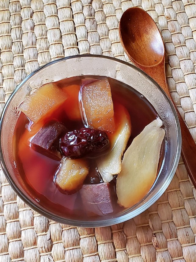 一日三餐吃什么之---苹果紫薯红枣糖水