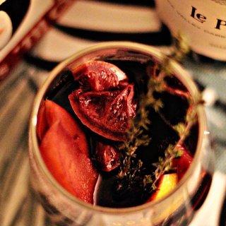 暖暖的夜里,来杯自制的圣诞热红酒吧🍷...