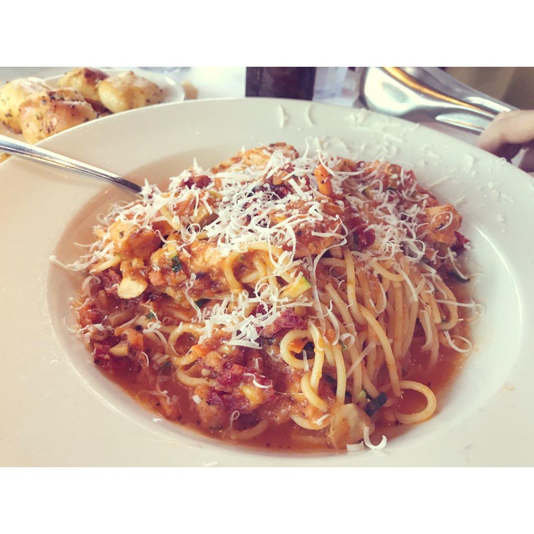 超大份量的意大利餐