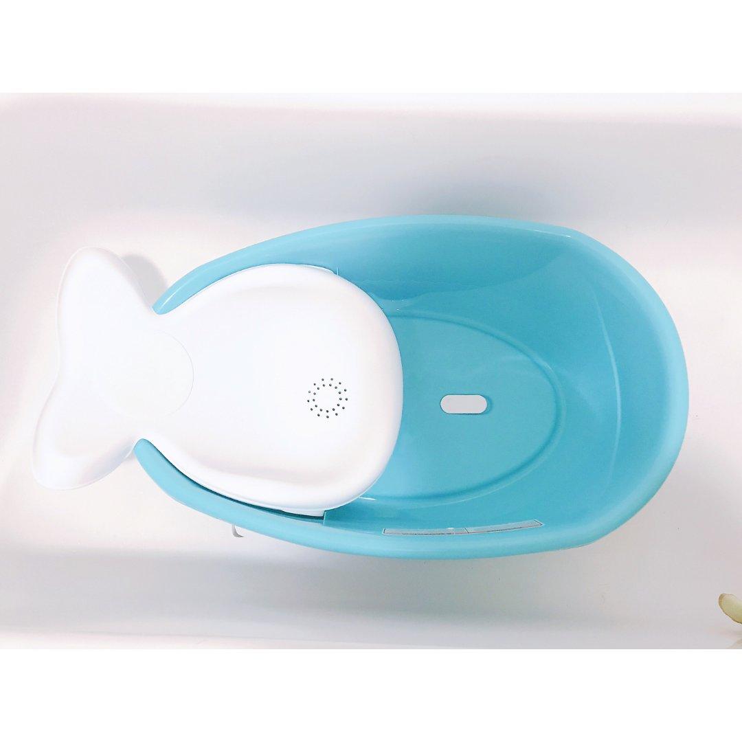 一个人也能好好给宝宝洗澡的Fish...