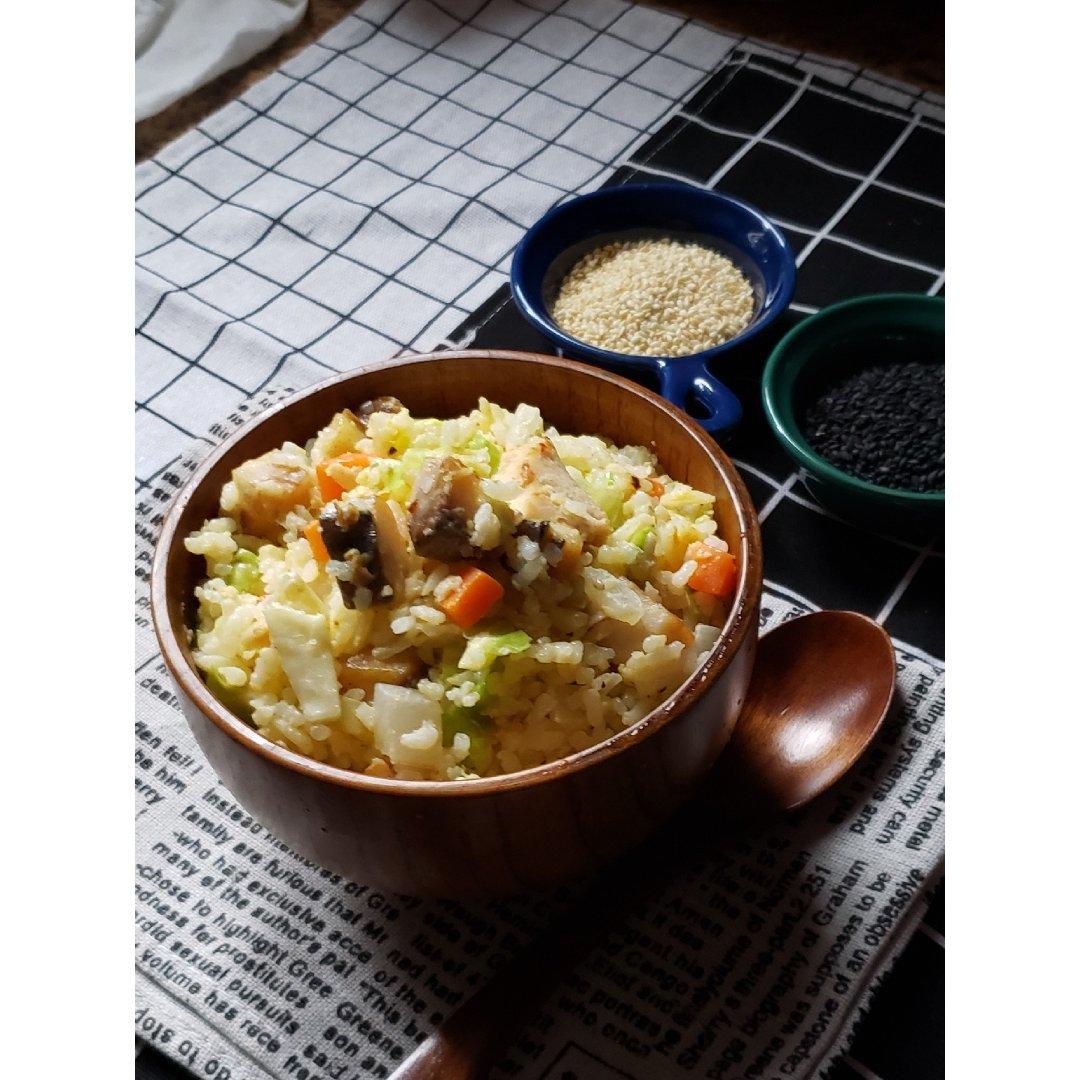 一日三餐吃什么之---咸鱼鸡丁炒饭