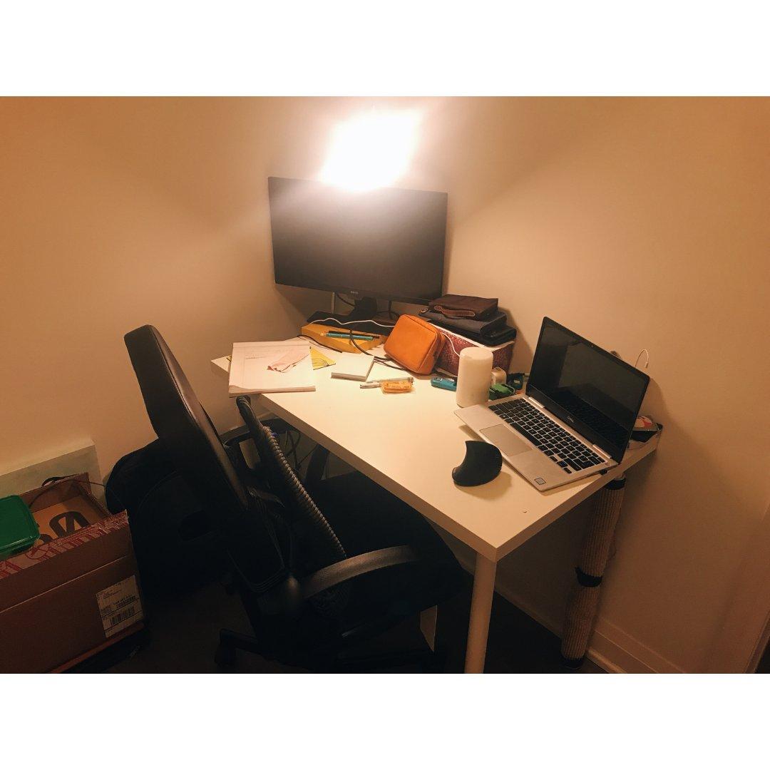 宅家办公桌💻 在家上班也能效率💯