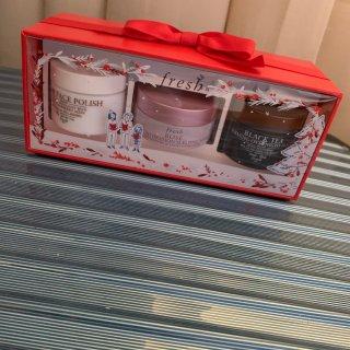 红茶面膜+玫瑰面膜+黄糖磨砂膏