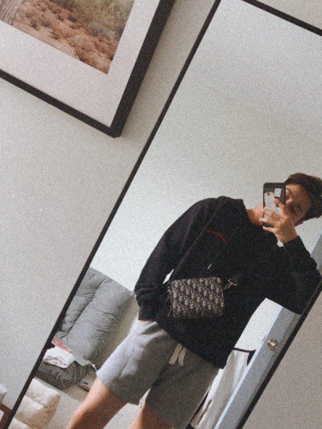 Dior男士老花图案挎包