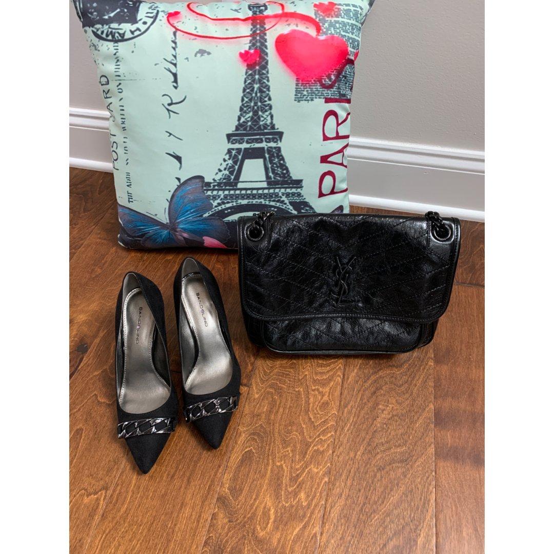 包包鞋子黑色系