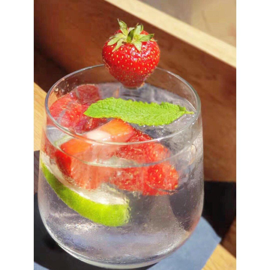 夏日草莓冰🍓