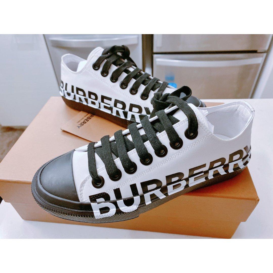 Burberry 大logo运动鞋