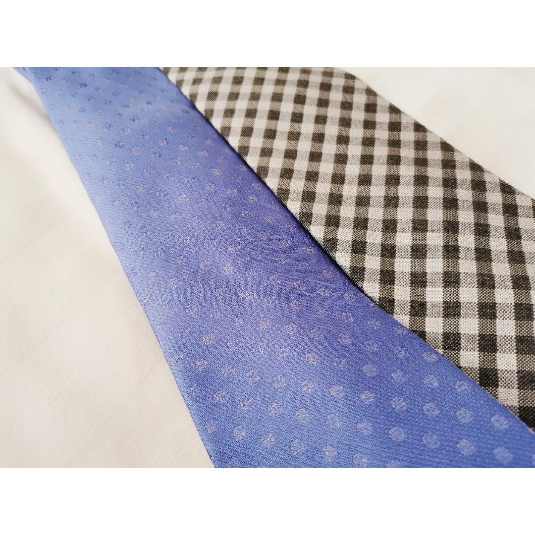 ①👔买两条打折领带送某人