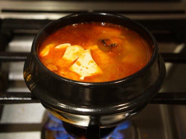 自制海鲜豆腐汤,简单美味(Hmar...
