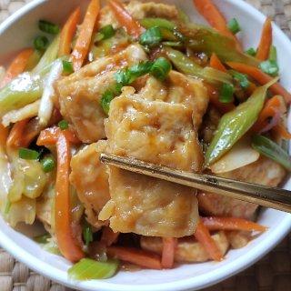 下饭神器之---红烧豆腐...