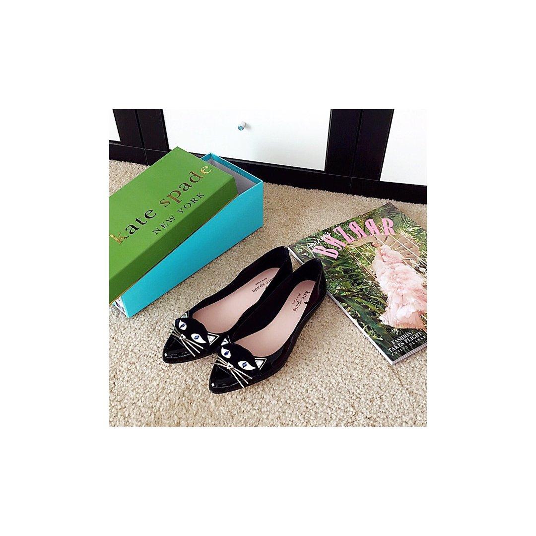 Kate Spade的漆皮猫咪鞋,...