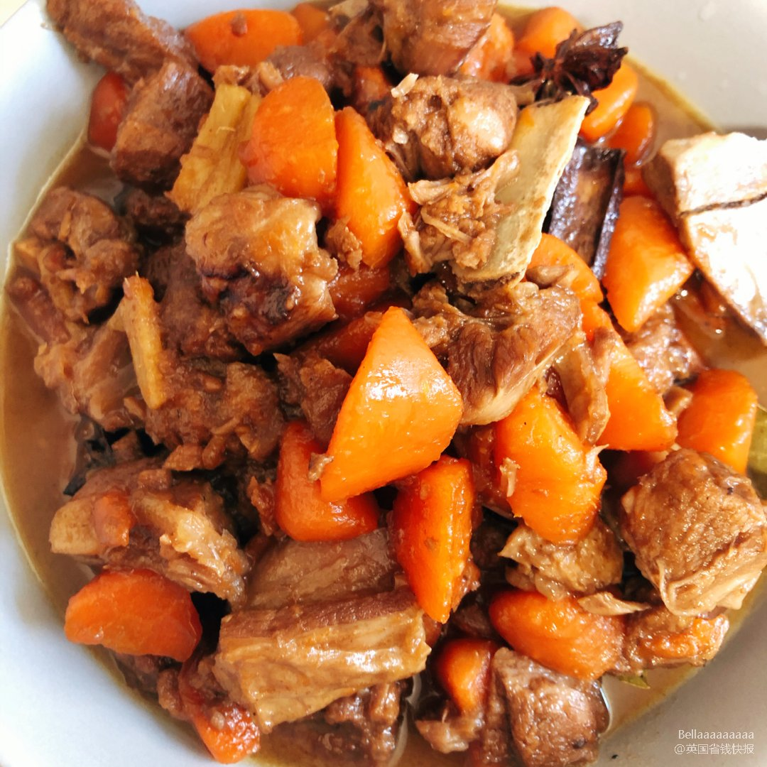 好吃到哭泣的胡萝卜炖羊肉来咯!