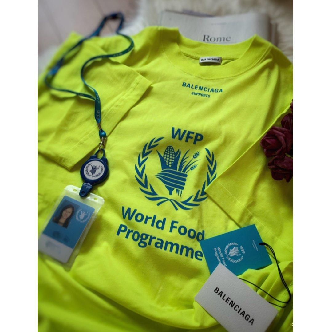 巴黎世家&WFP慈善合作款T:十年...