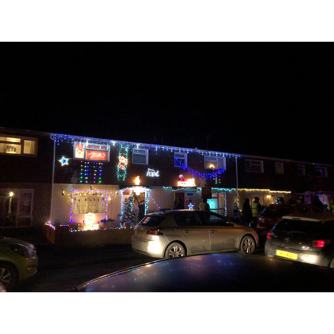 邻居家炫酷的圣诞装饰...