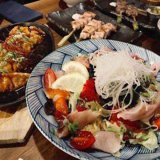海鲜沙拉,煎饺