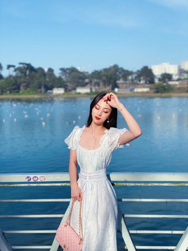 🦢 永不过时的白色连衣裙 | 湾区...