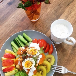 早鸭。。。沙拉早餐...