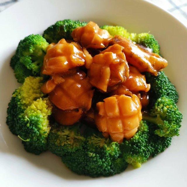 今日份午餐:粗粮饭,酸辣海带片,鲍...