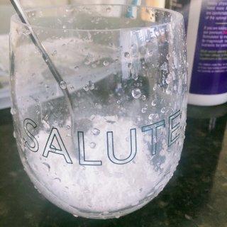 微众测舒展压力的镁补充剂饮品