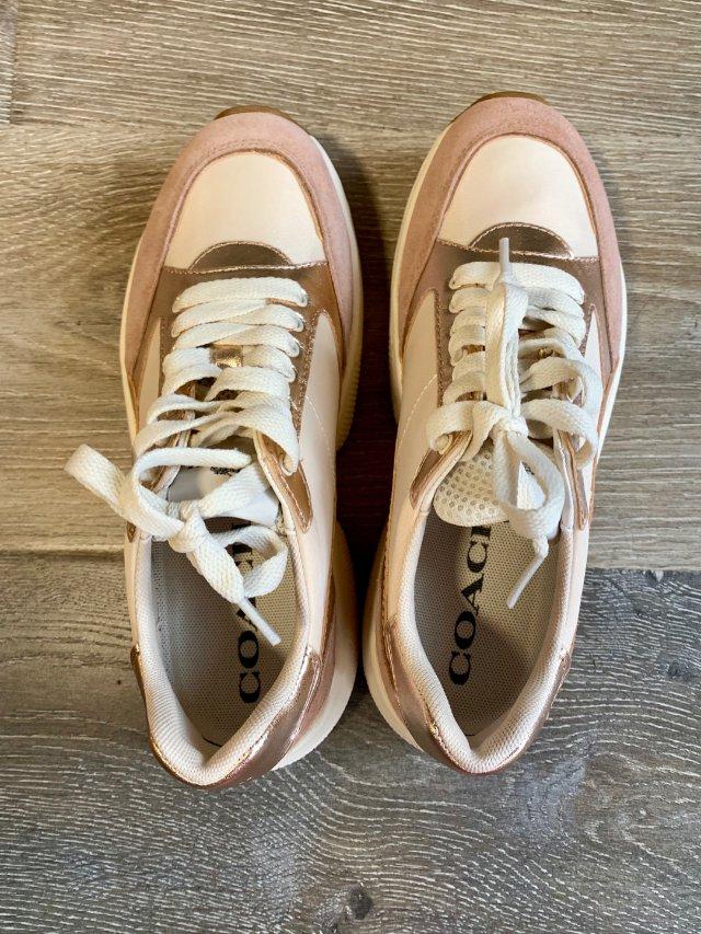 粉嫩嫩的老爹鞋