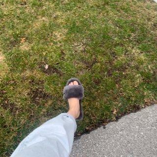 墙推🧱我的UGG小拖鞋,宅家能穿的新鞋🐑...