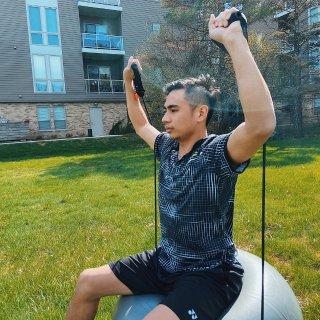保持身材,一球搞定!多功能瑜伽球評測💪