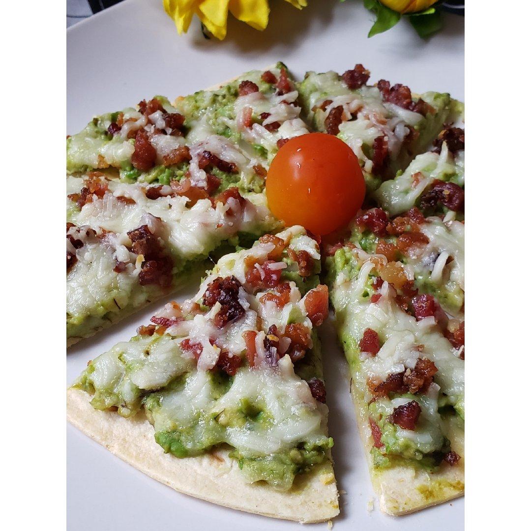 一日三餐吃什么之---牛油果伪披萨
