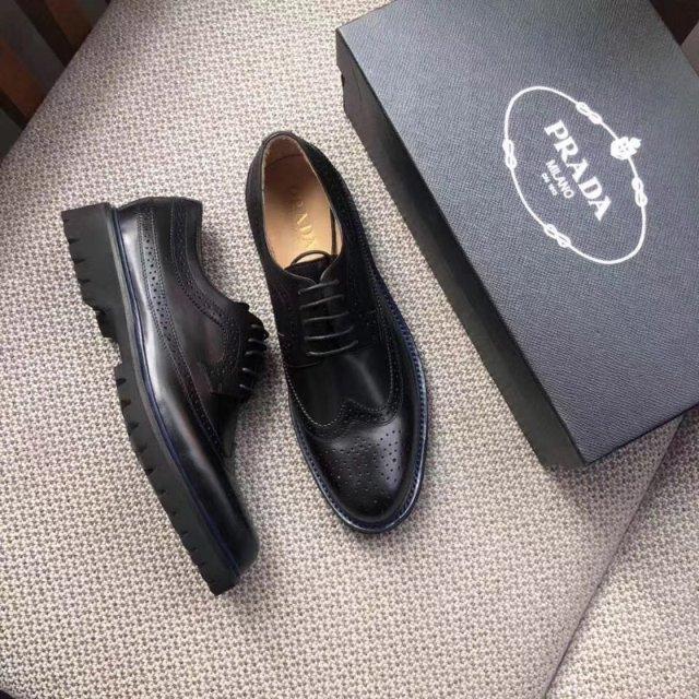 P家雕花皮鞋