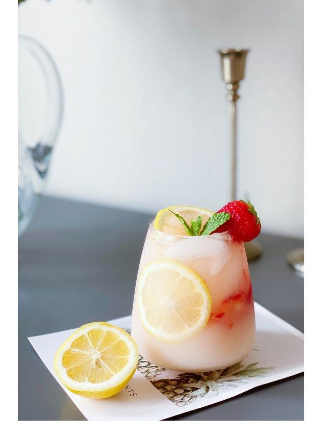 🍋夏日饮品DIY |草莓养乐多气泡水🍋🍓