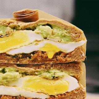 流心蛋肉松三明治