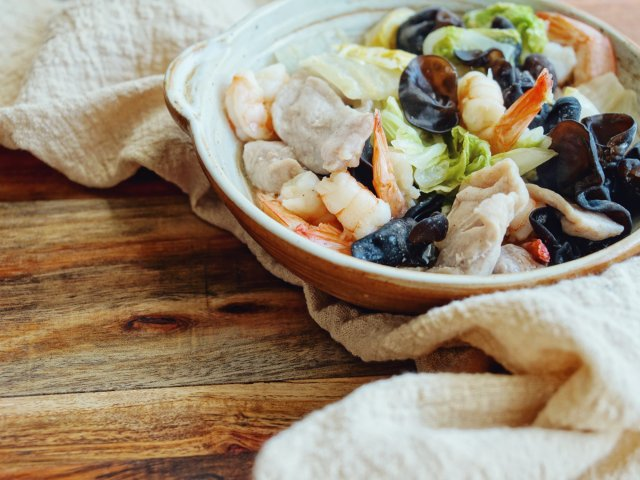 staub铸铁锅无水料理|简单八宝菜