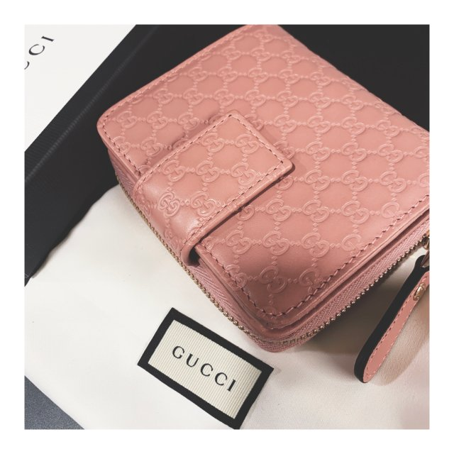 Gucci脏粉色钱包