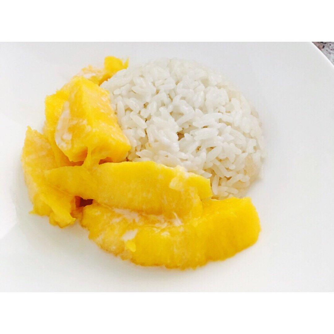 春节吃什么  芒果椰汁糯米饭
