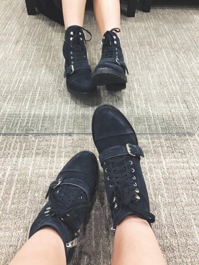 黑五入的一雙戰靴