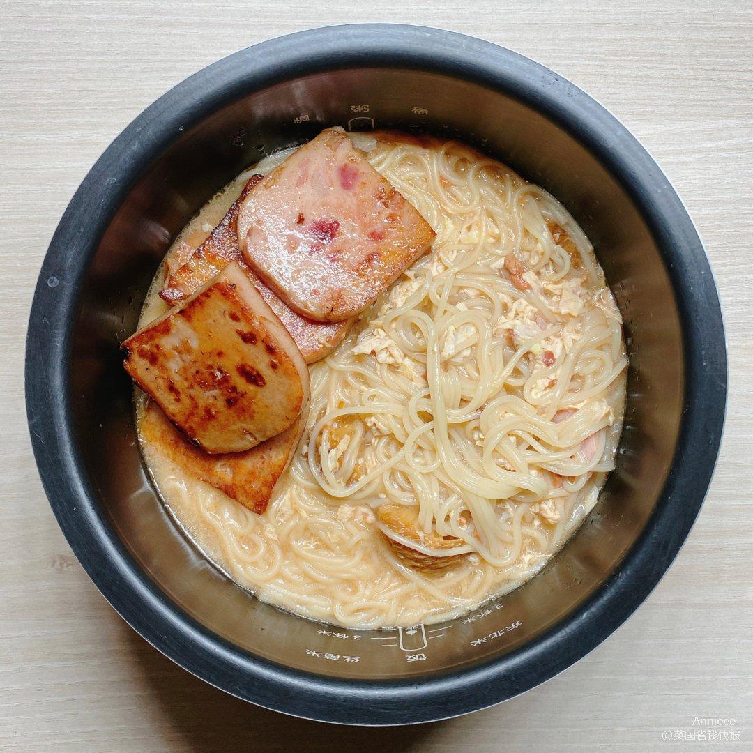 吃饭打卡|午餐肉面➕桃胶炖雪耳🍑...