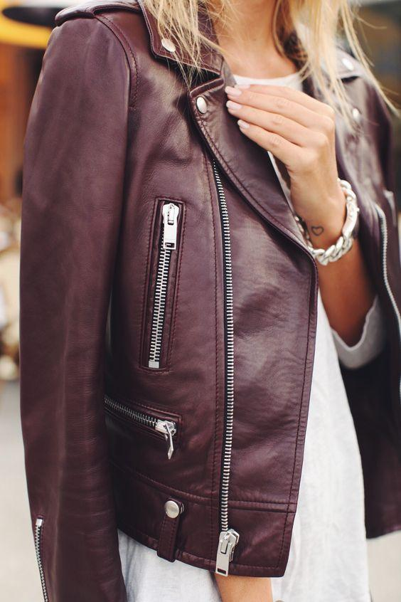 Extra 30% Off for 1 Item,Extra 40% Off for 2+Sitewide + Free Shipping Over $50 @ Wilsons Leather