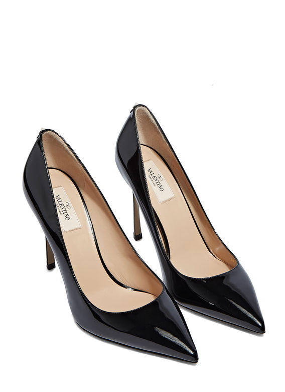 Up to 70% Off + Extra 20% OffValentino @ LN-CC